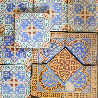 Minton Encaustic Floor Tiles To Include An Arrangement Of Central Square Tile Surrounded By Four Triangle Corners Together With One Other Spare Corner