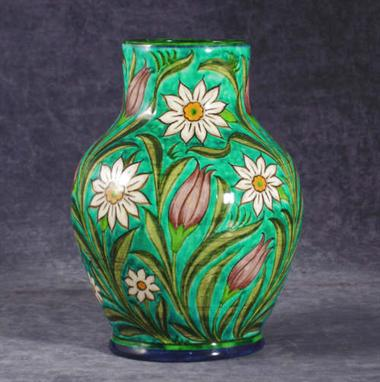 A Good Bushey Heath Pottery Vase By Fred Passenger Painted With Tulip And Daisy Flowers In Shade