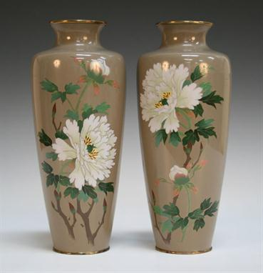 A Pair Of Japanese Ando Cloisonn Vases Meiji Period Of Shouldered