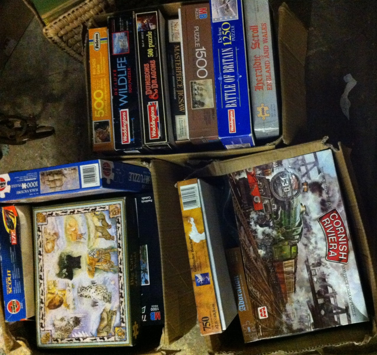 Lot 89 - 3 BOXES OF PUZZLES